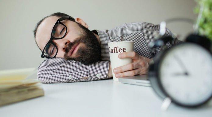 Mất ngủ không nên dùng chất kích thích