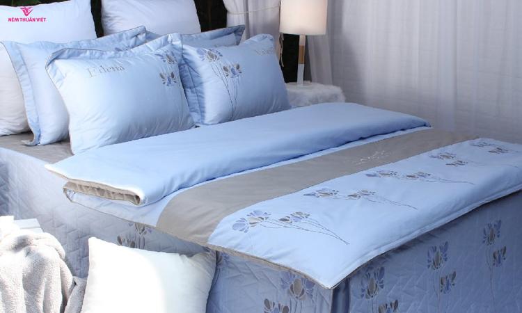 ra giường Edena