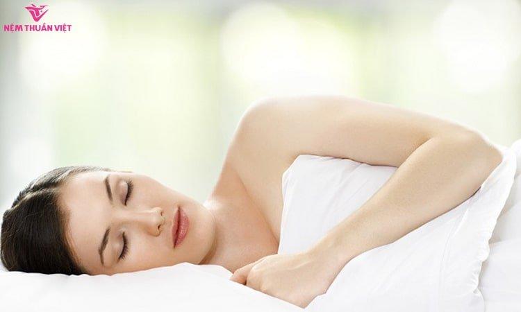 chứng rối loạn ăn uống kém ăn mất ngủ