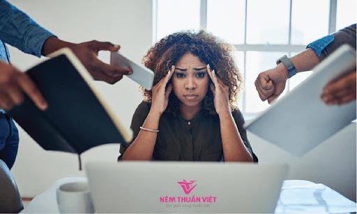 bệnh mất ngủ ở phụ nữ stress gây hại cho da