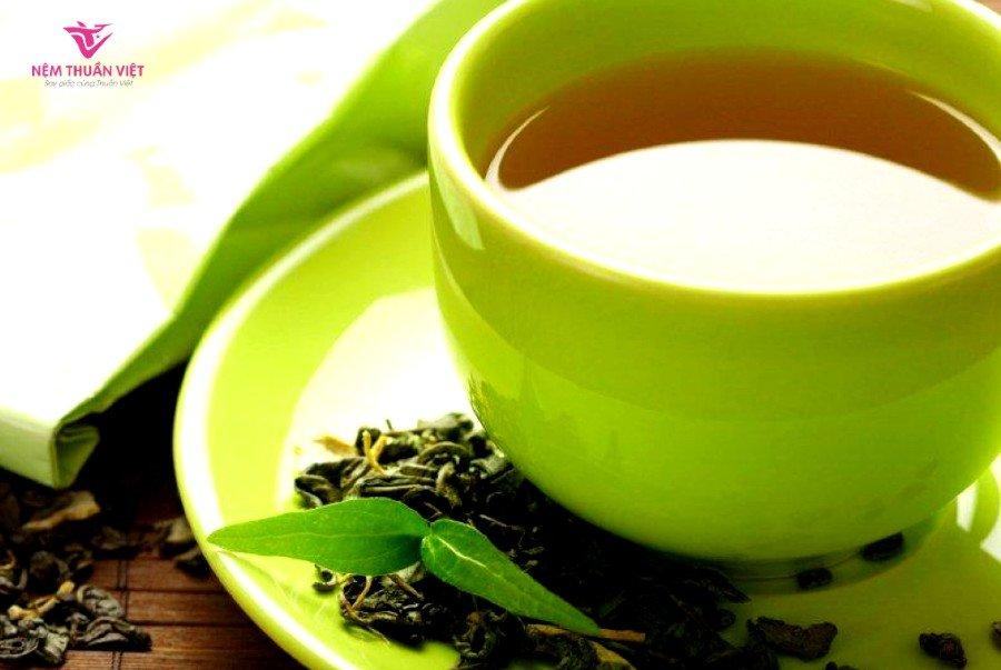 cách pha trà tim sen trị mất ngủ