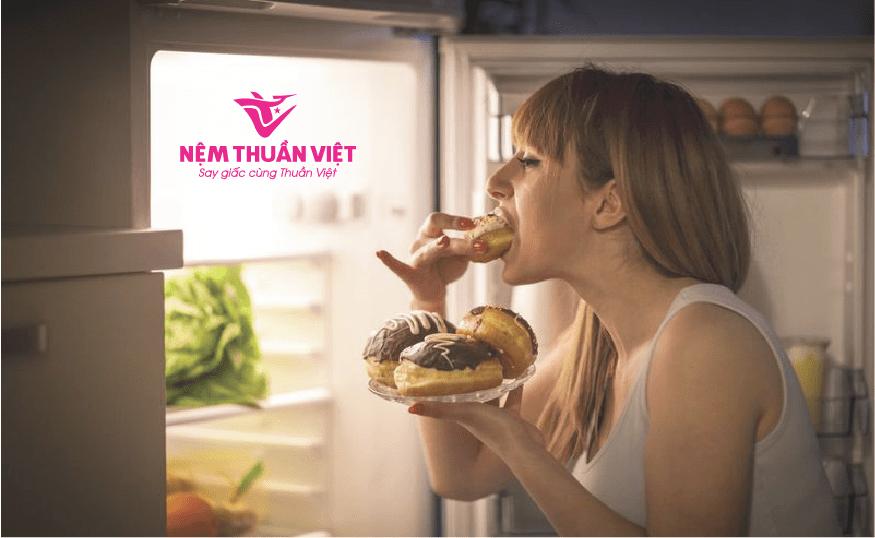 mất ngủ thèm ăn và tăng cân