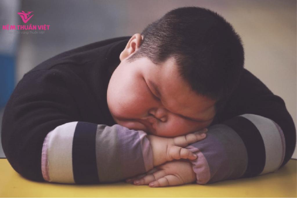 ngủ ít có tăng cân không