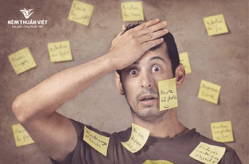 tác hại của thức khuya làm suy giảm trí nhớ đãng trí