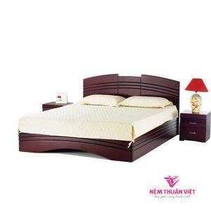 giường ngủ bằng gỗ hiện đại tự nhiên xoan đào gn434