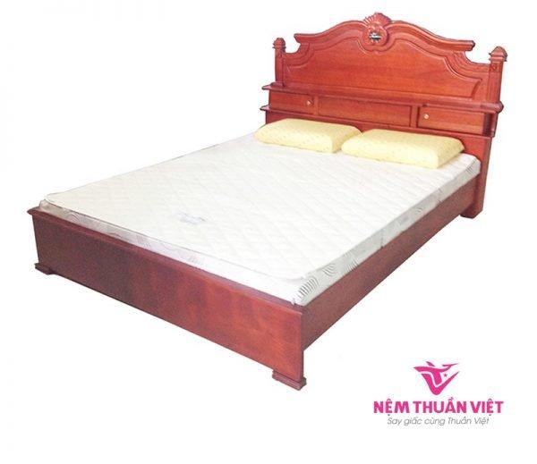 Giường Ngủ Gỗ Căm Xe Hộc Kéo Đầu Giường
